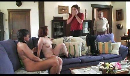 خاخام داشتن سرگرم کننده با یک جوجه نوجوان در تماس فیلم های سکس پارتی در هتل