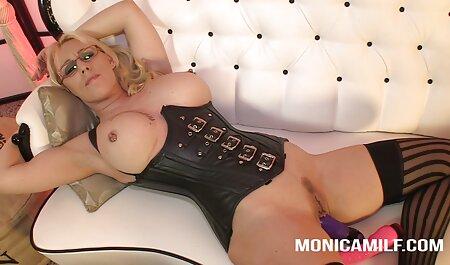 Vika به شمار در جوراب ساق بلند در فیلم پارتی سکسی طبقه