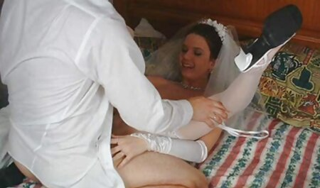 بیمار مبتلا به خال کوبی در طول سکس پارتی در استخر معاینه یک متخصص زنان