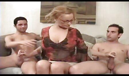 پس از انفجار گروه ، جنگل نشین دختر سکس در پارتی در دهان سرزنش