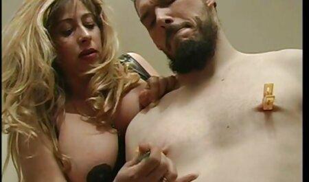 ملایم, رابطه جنسی دهانی روی میز آشپزخانه و دانلود پارتی سکسی ارضا روی صورت, انزال