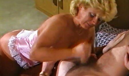 او الاغ او زیر کلیک در الاغ و سپس سکس در پارتی آن را به معشوق را داد