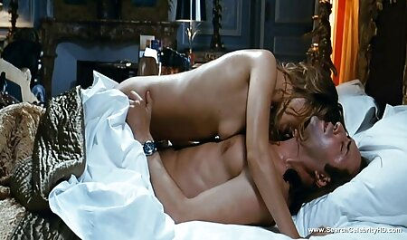 وسیله ارتعاش و نوسان کمک دختر جوان برای تحقق بخشیدن به توهمات خود فلم سکس پارتی را