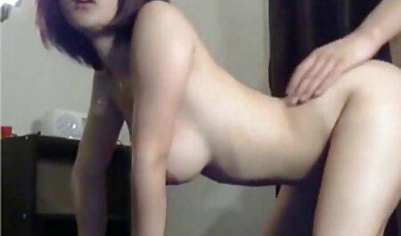 پایه دار فیلم های سکس پارتی برهنه ورزشکار می کند ژیمناستیک